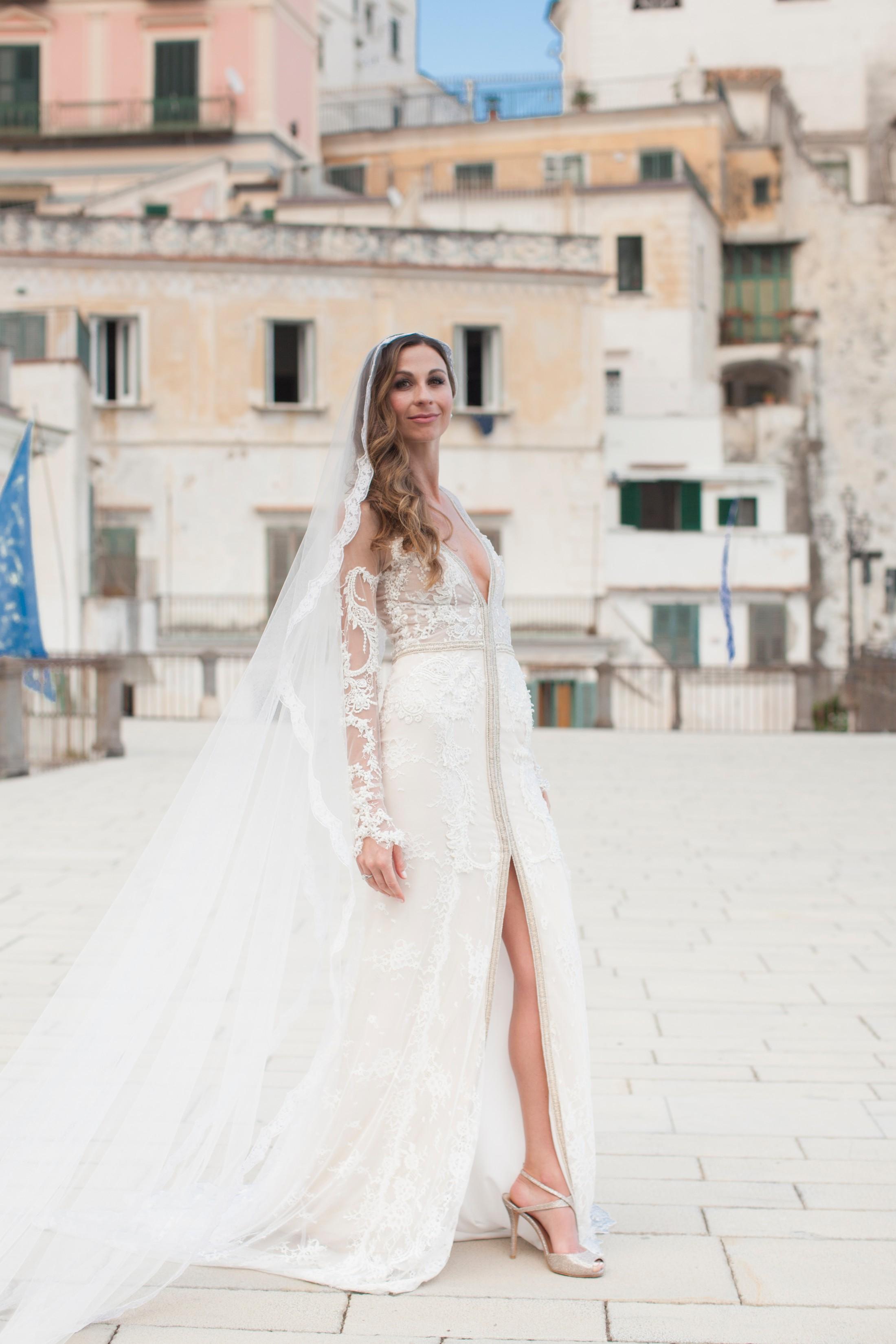 bride's portrait in attain, amalfi coast