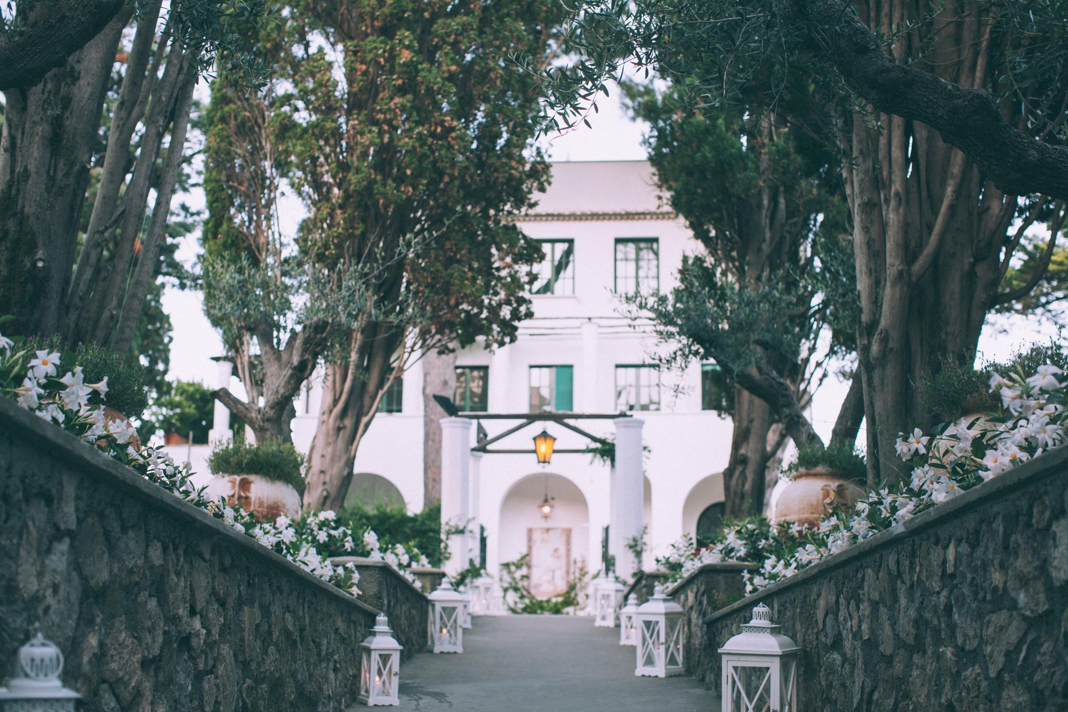 entrance of villa eva in ravello