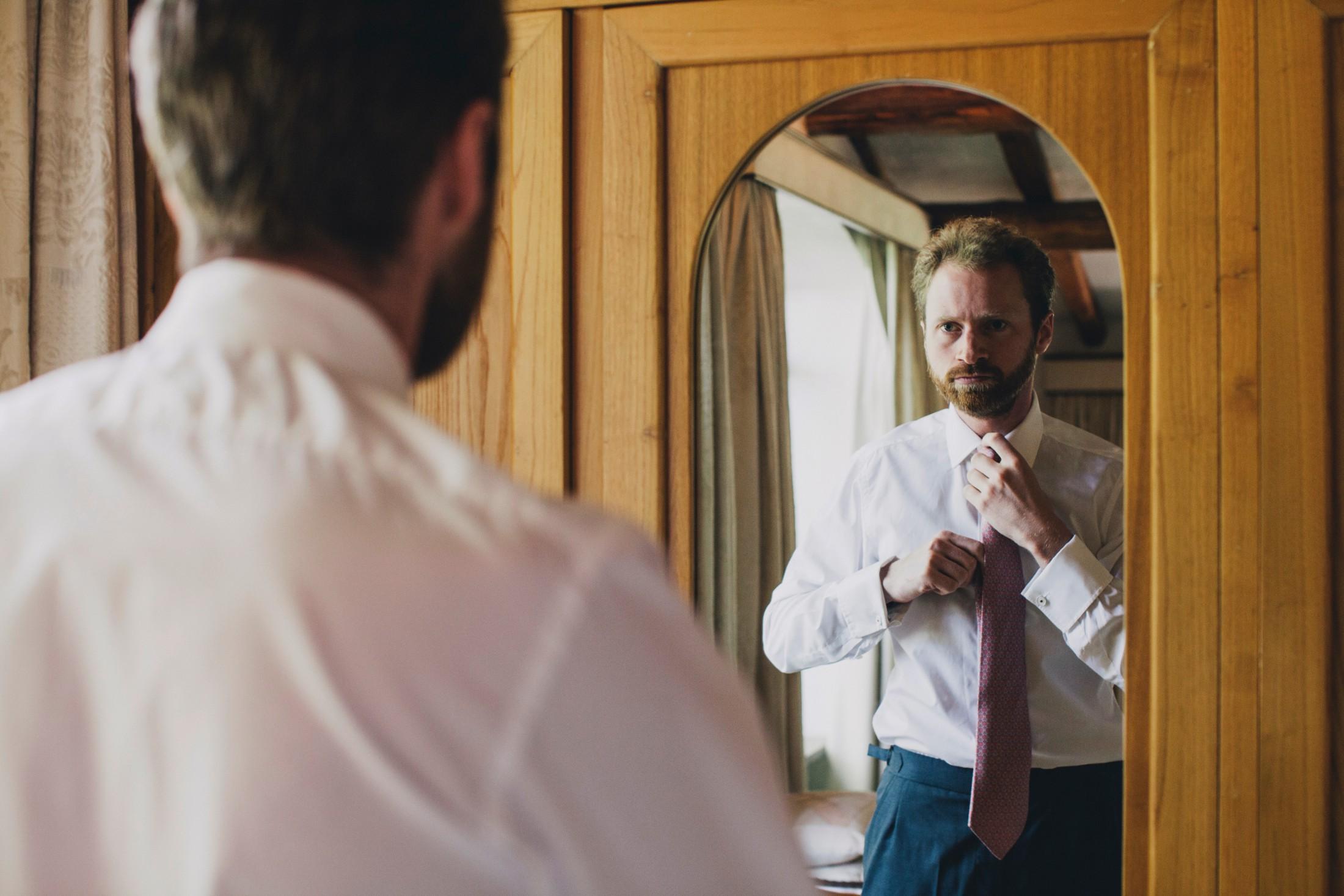 groom's getting ready wedding in bracciano