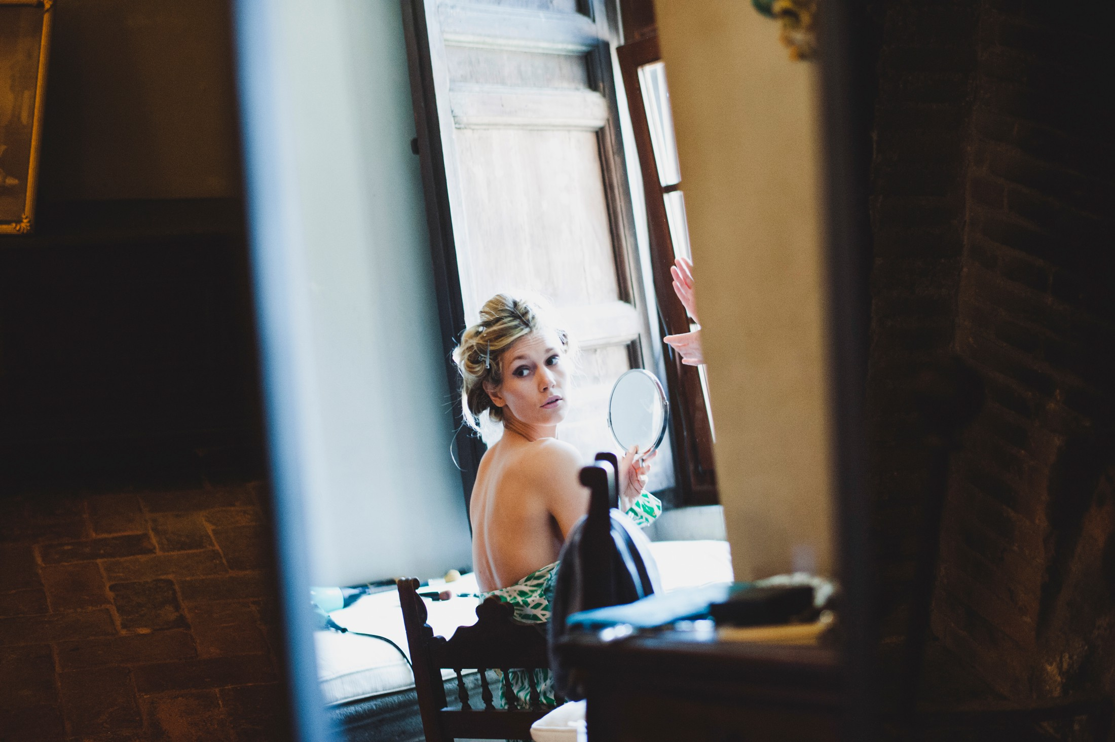 bride getting ready wedding in bracciano