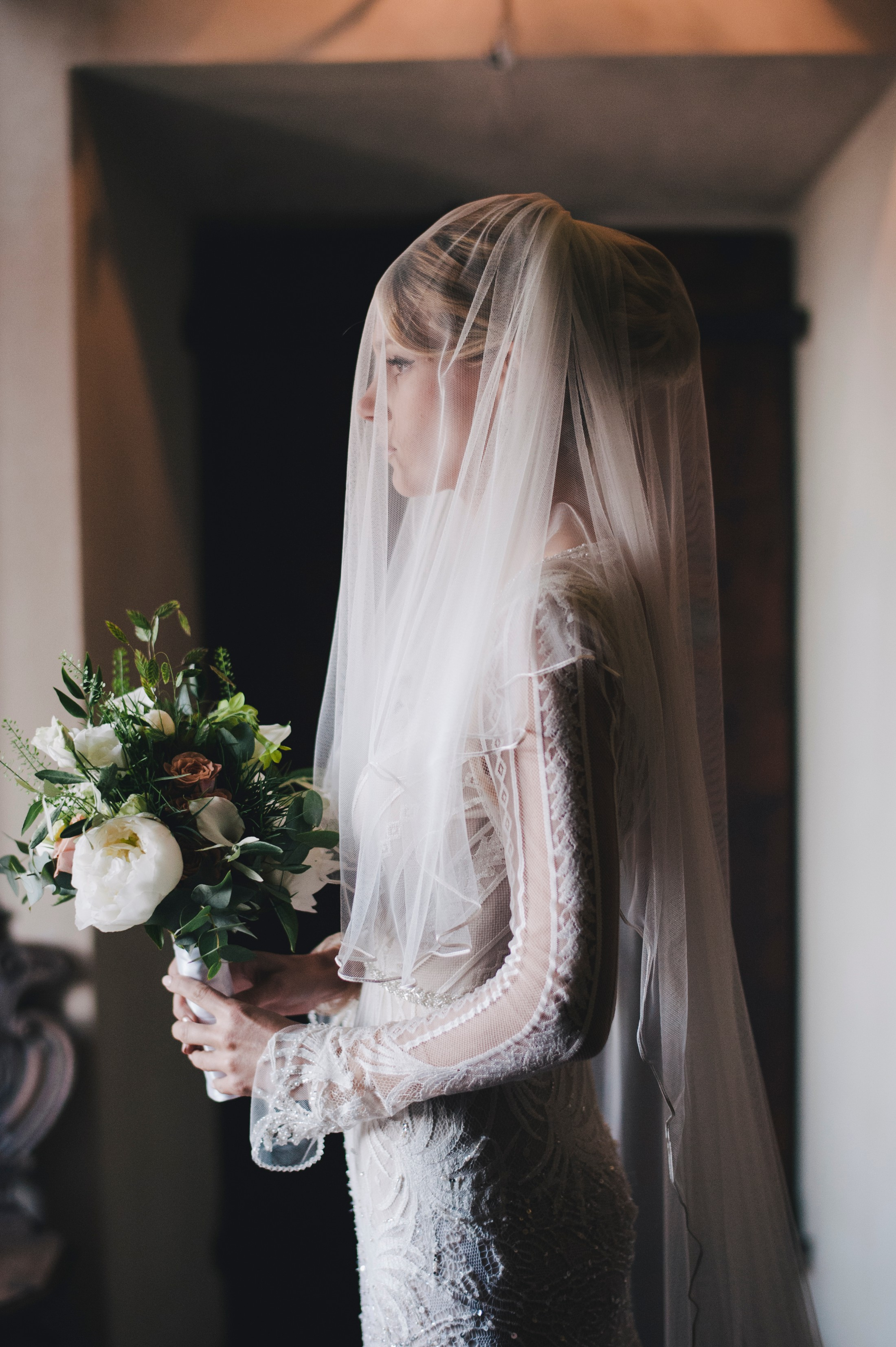 bride with her veil wedding in bracciano