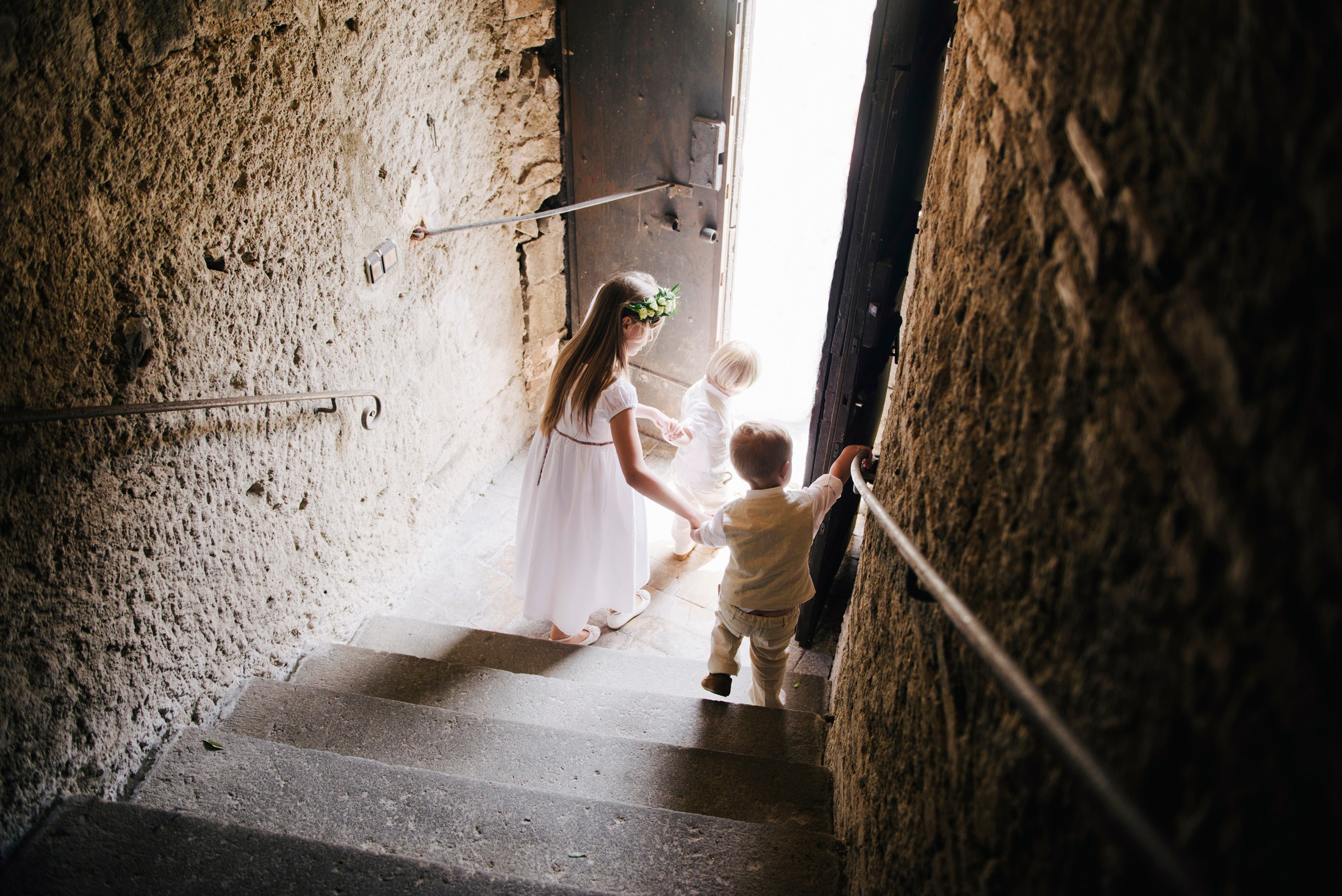 flower children wedding in bracciano