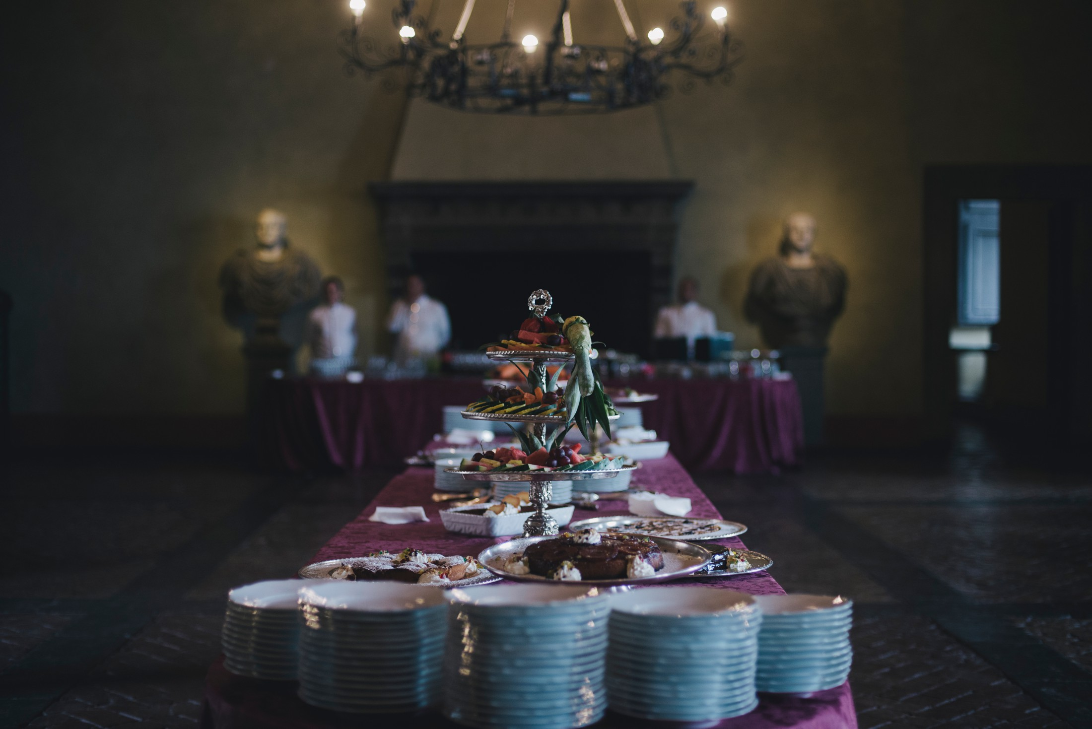 wedding cakes table bracciano castle