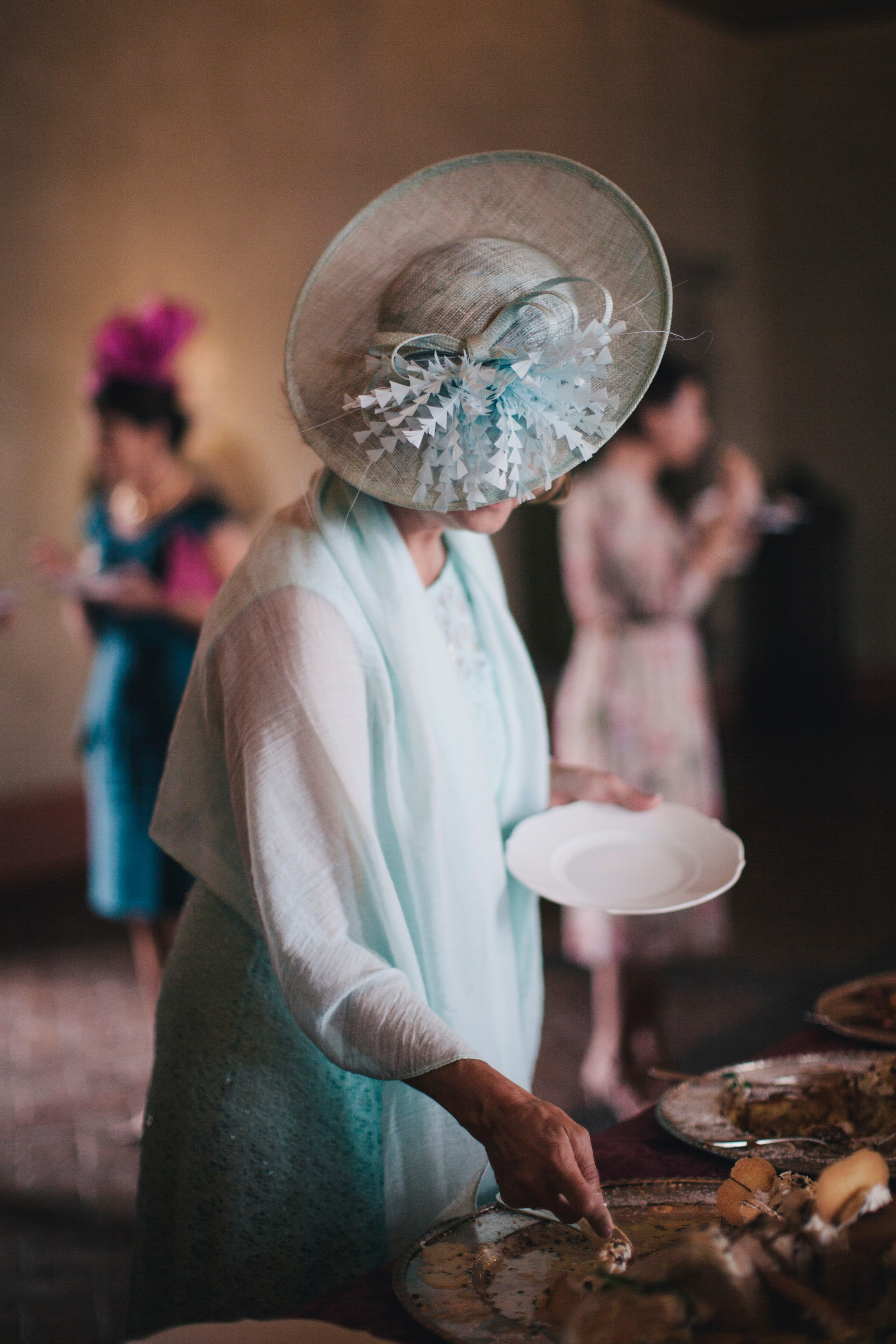wedding guest having the wedding cake bracciano castle