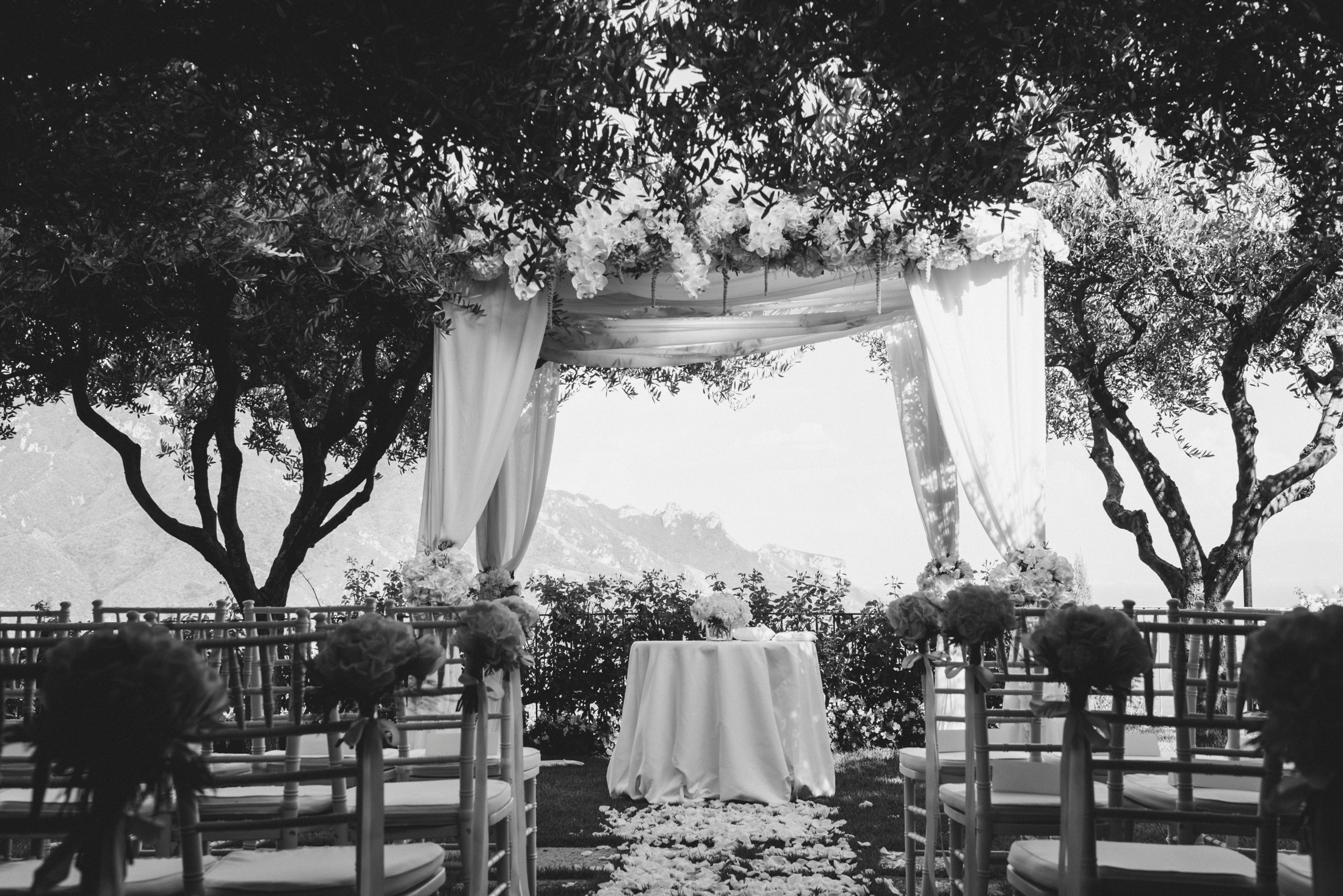 wedding ceremony location in black and white