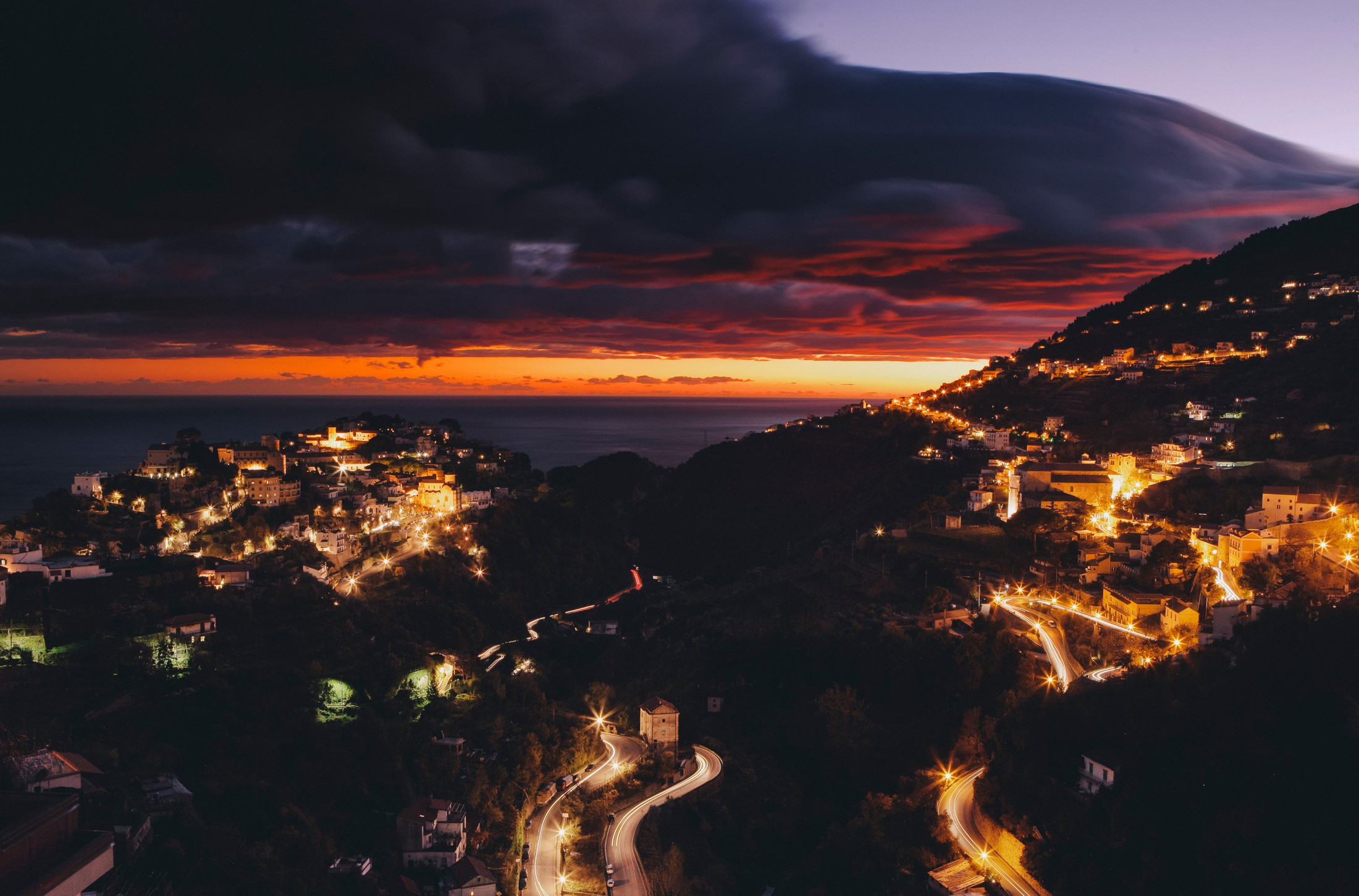a night view of ravello surroundings