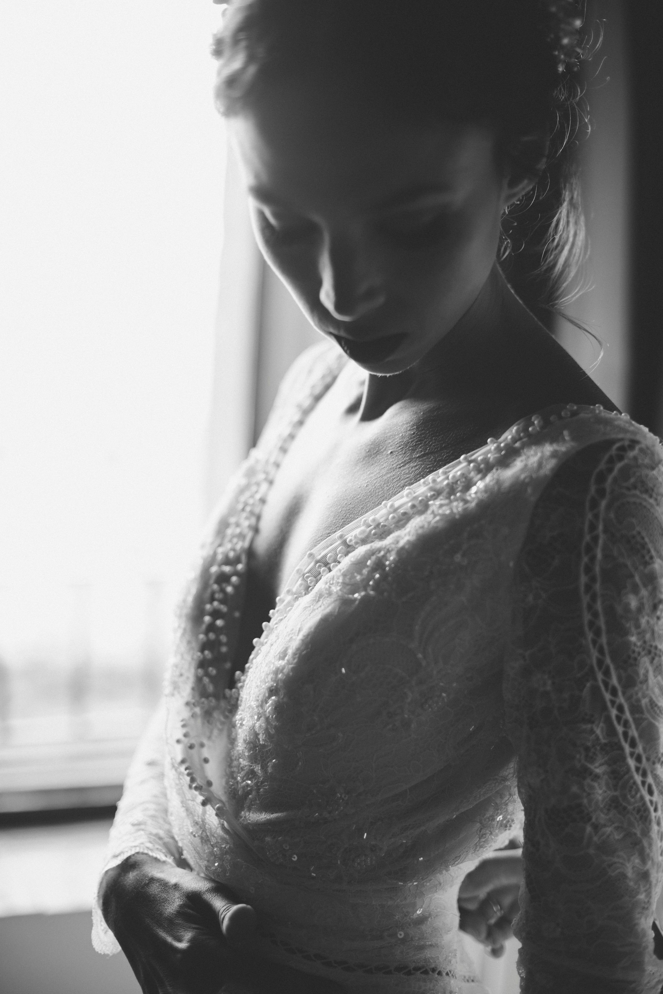 portrait of the bride in black and white
