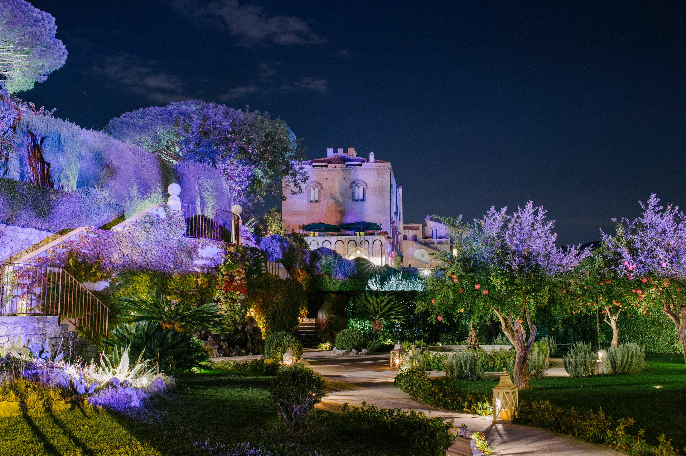 a view of vila cimbrone by night