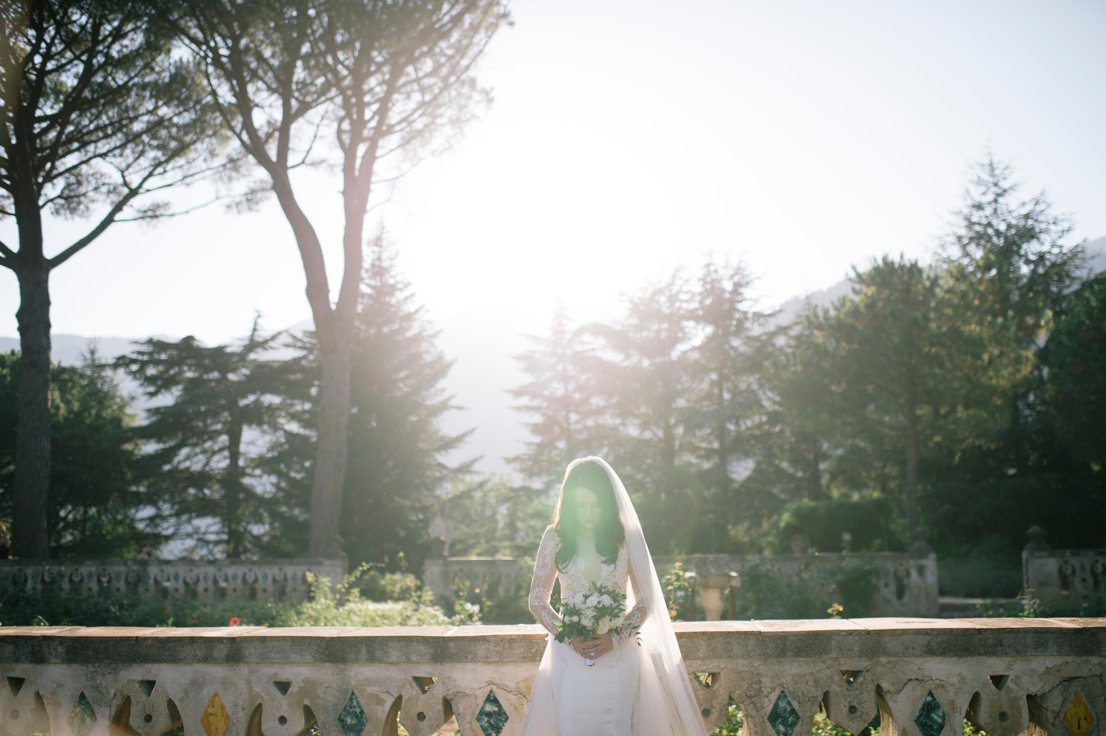 bride's portrait at villa cimbrone ravello