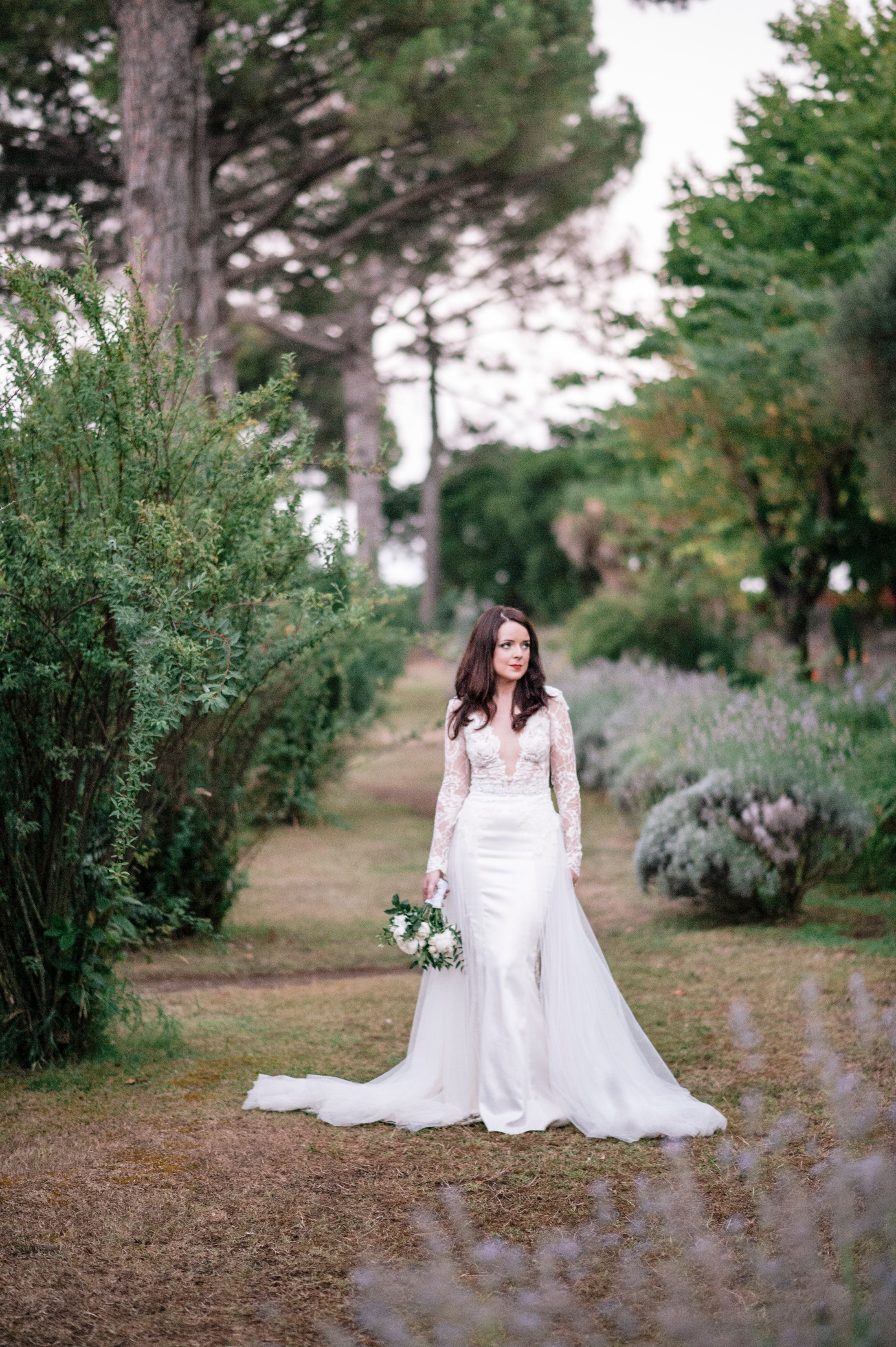 bride's portrait in the gardens pos villa cimbrone ravello