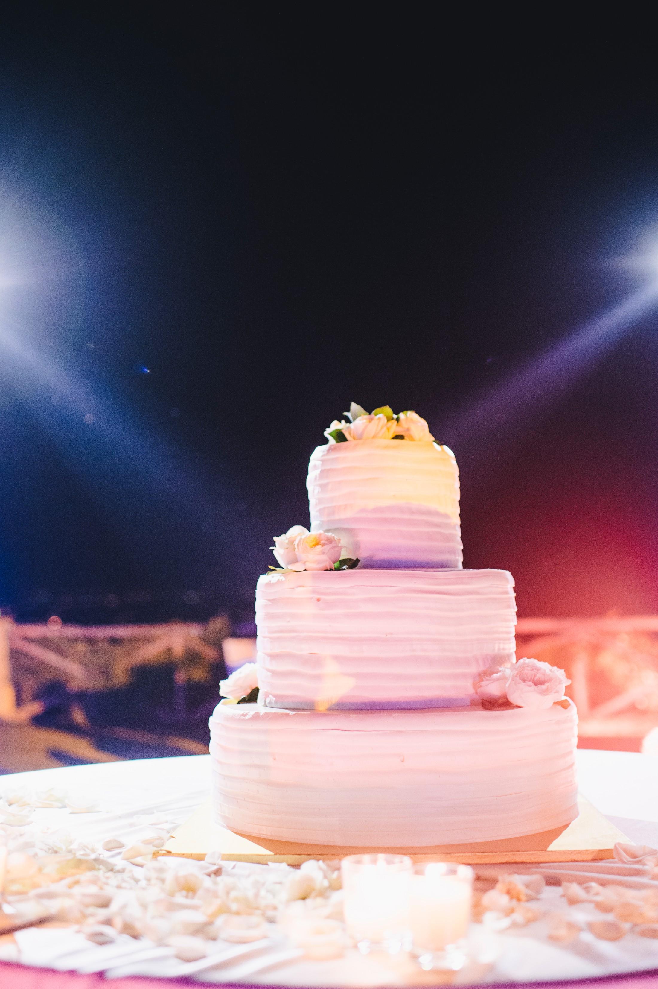 wedding cake at villa cimbrone ravello