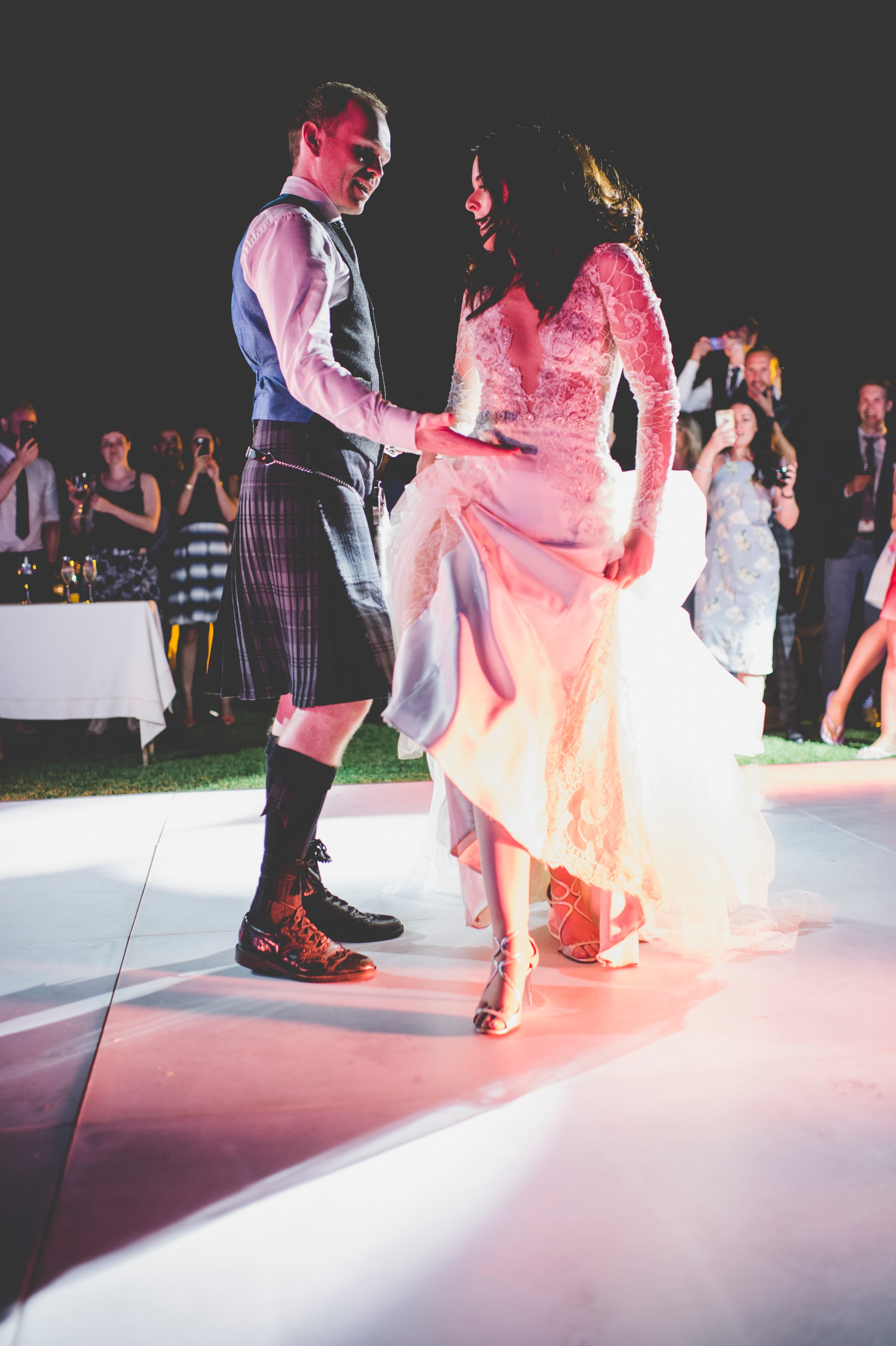 bride and groom's first dance at villa cimbrone ravello
