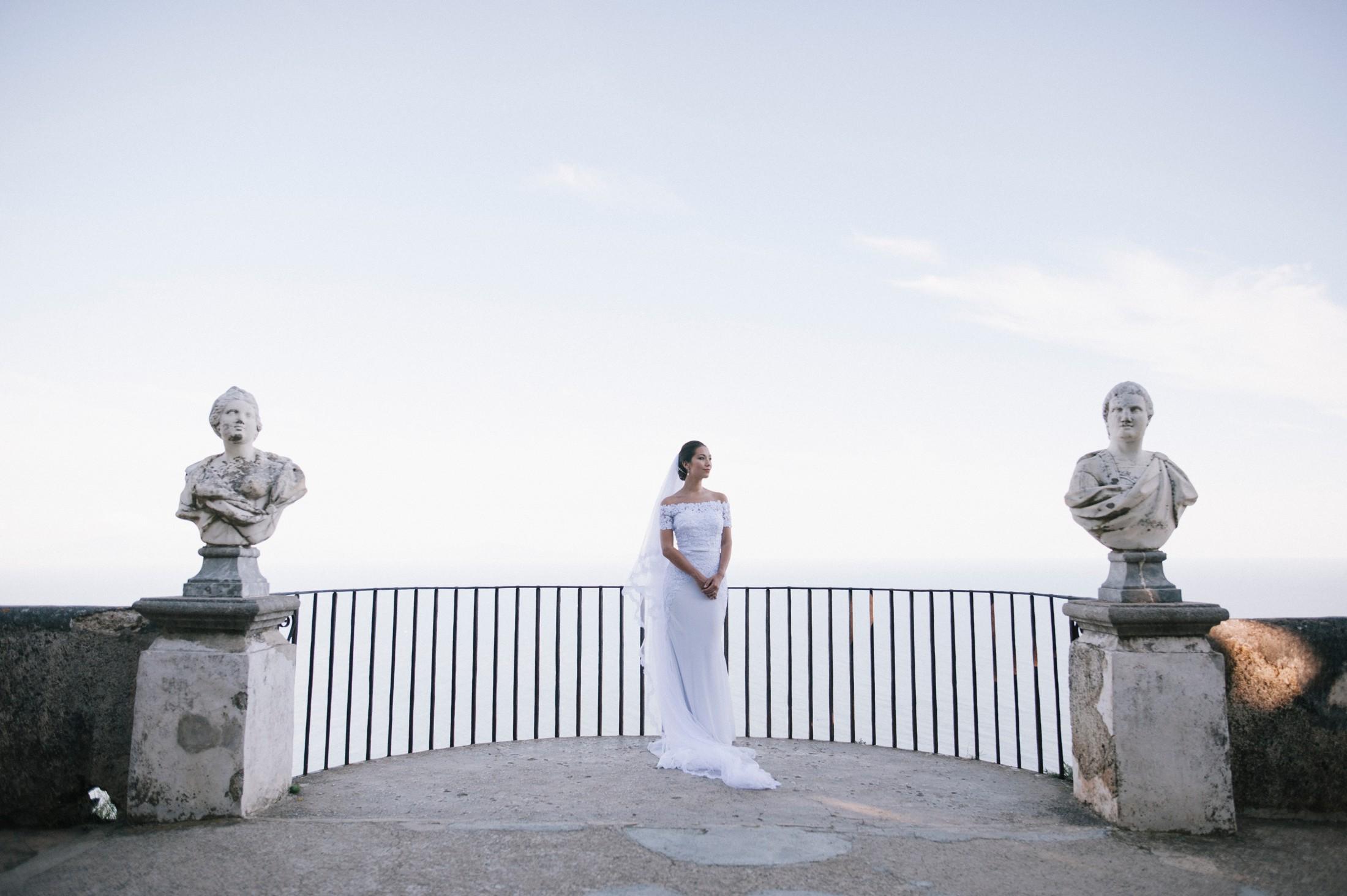 the bride at belvedere of villa cimbrone