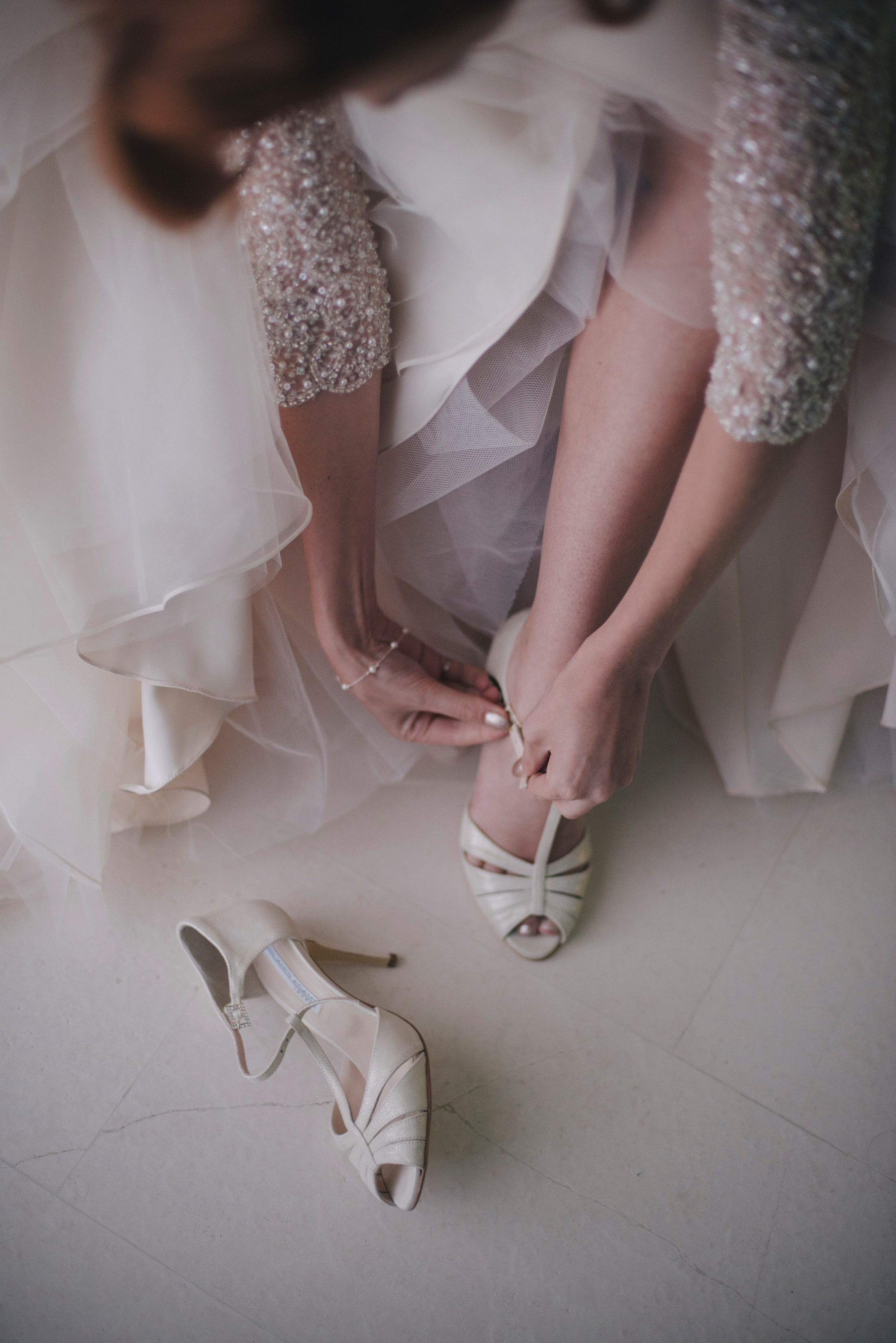 bride wearing her wedding shoes ravello