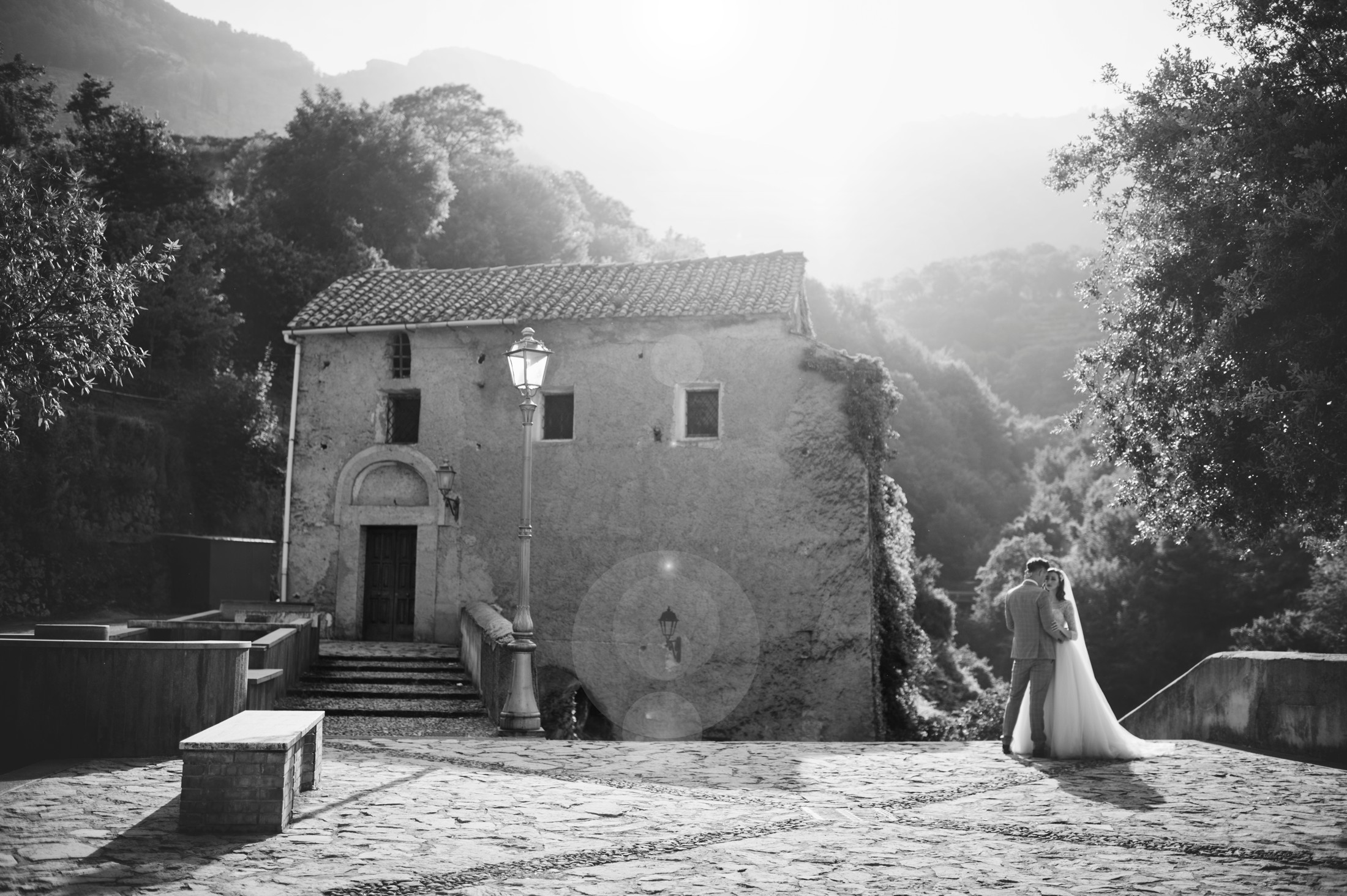 bride and groom's portrait in ravello