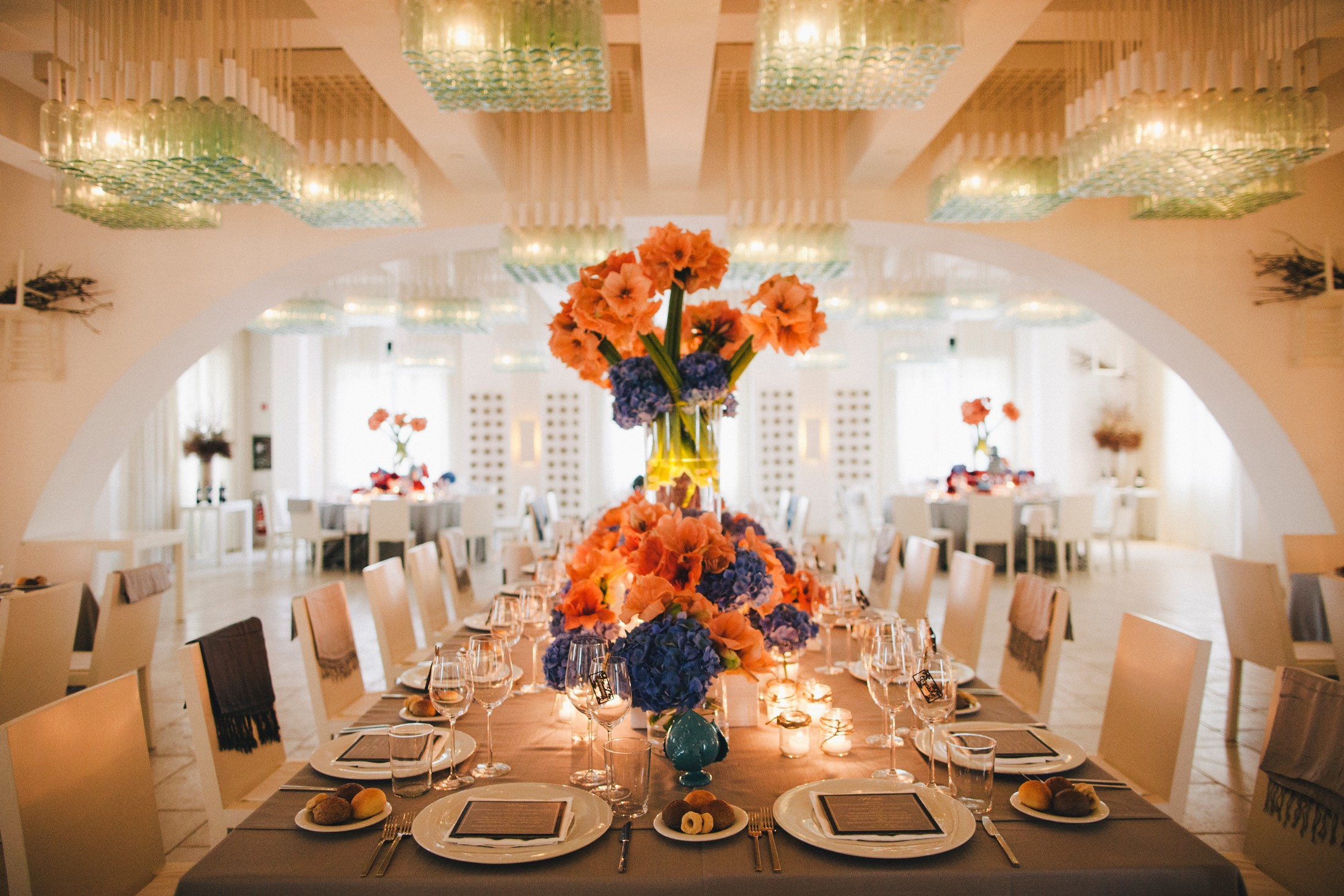 wedding table decor with colorful flowers