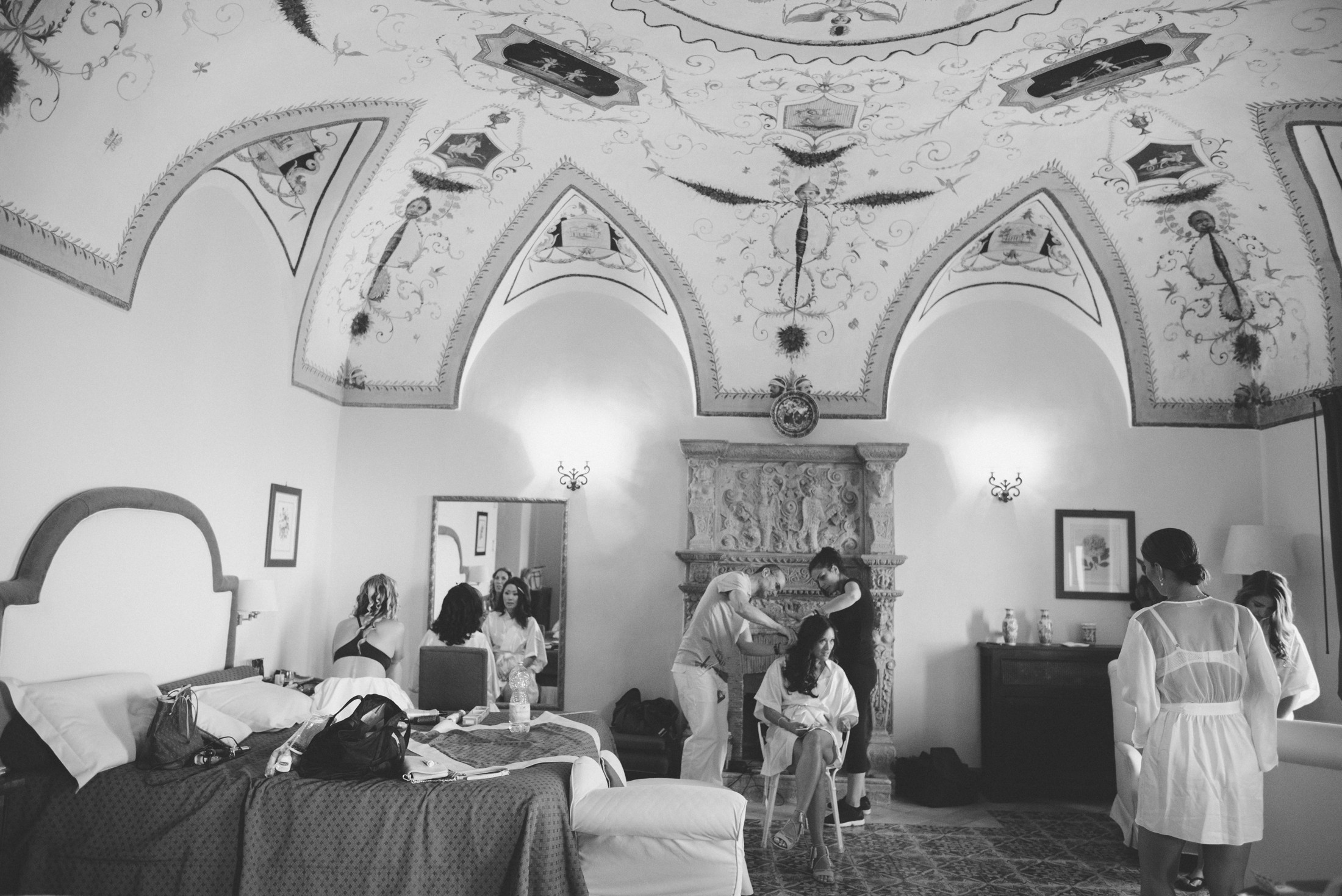 bride during the preparation in a suite of villa cimbrone ravello